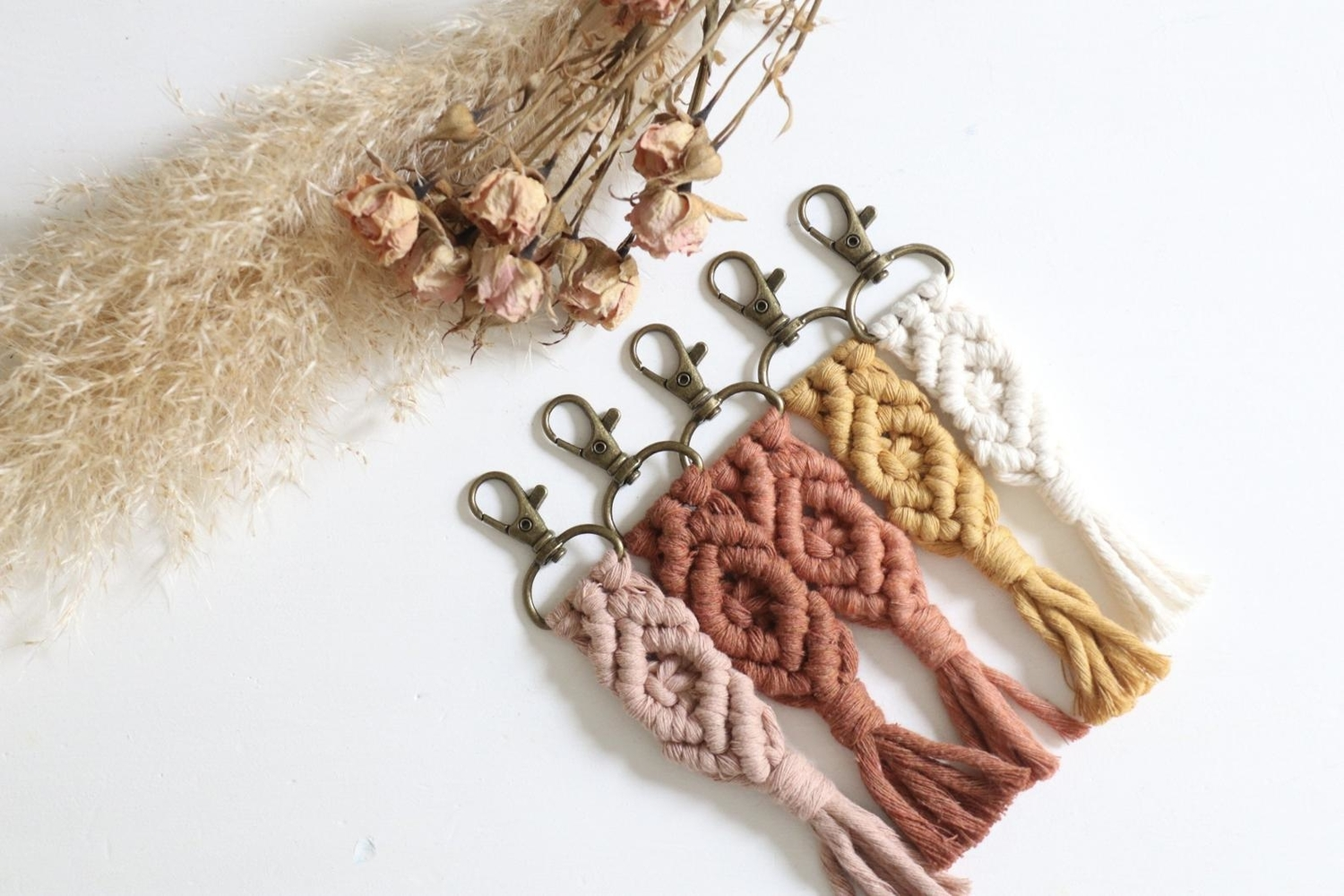 Macrame keychain wedding favors
