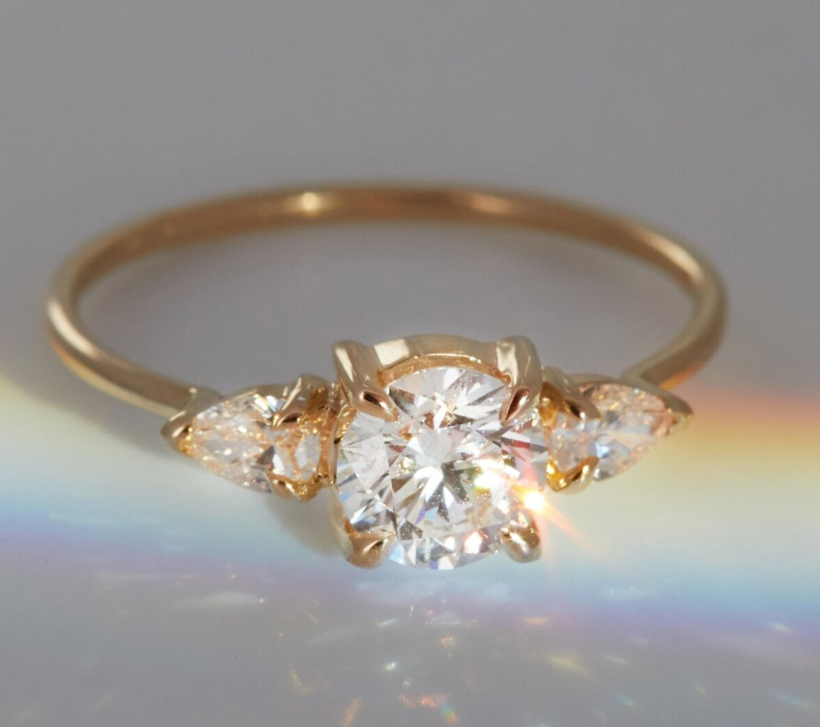 lab grown diamond engagement ring