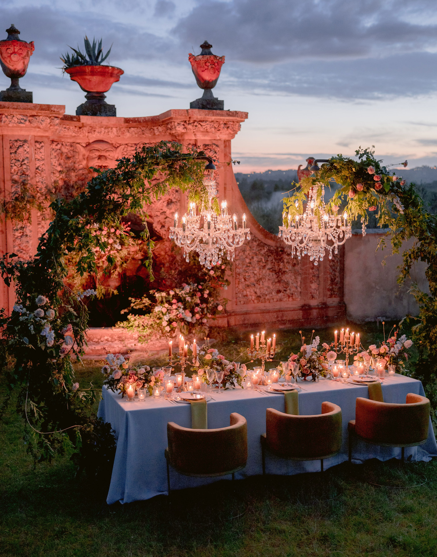 romantic italian wedding reception with chandeliers