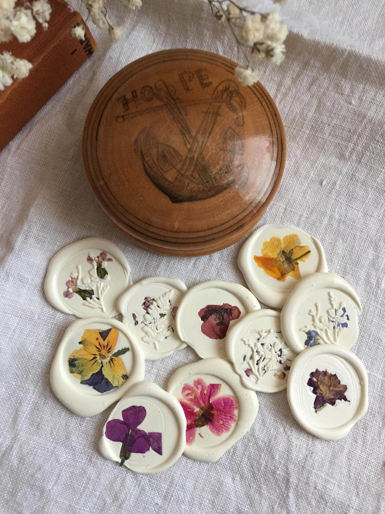 pressed flower wax seals
