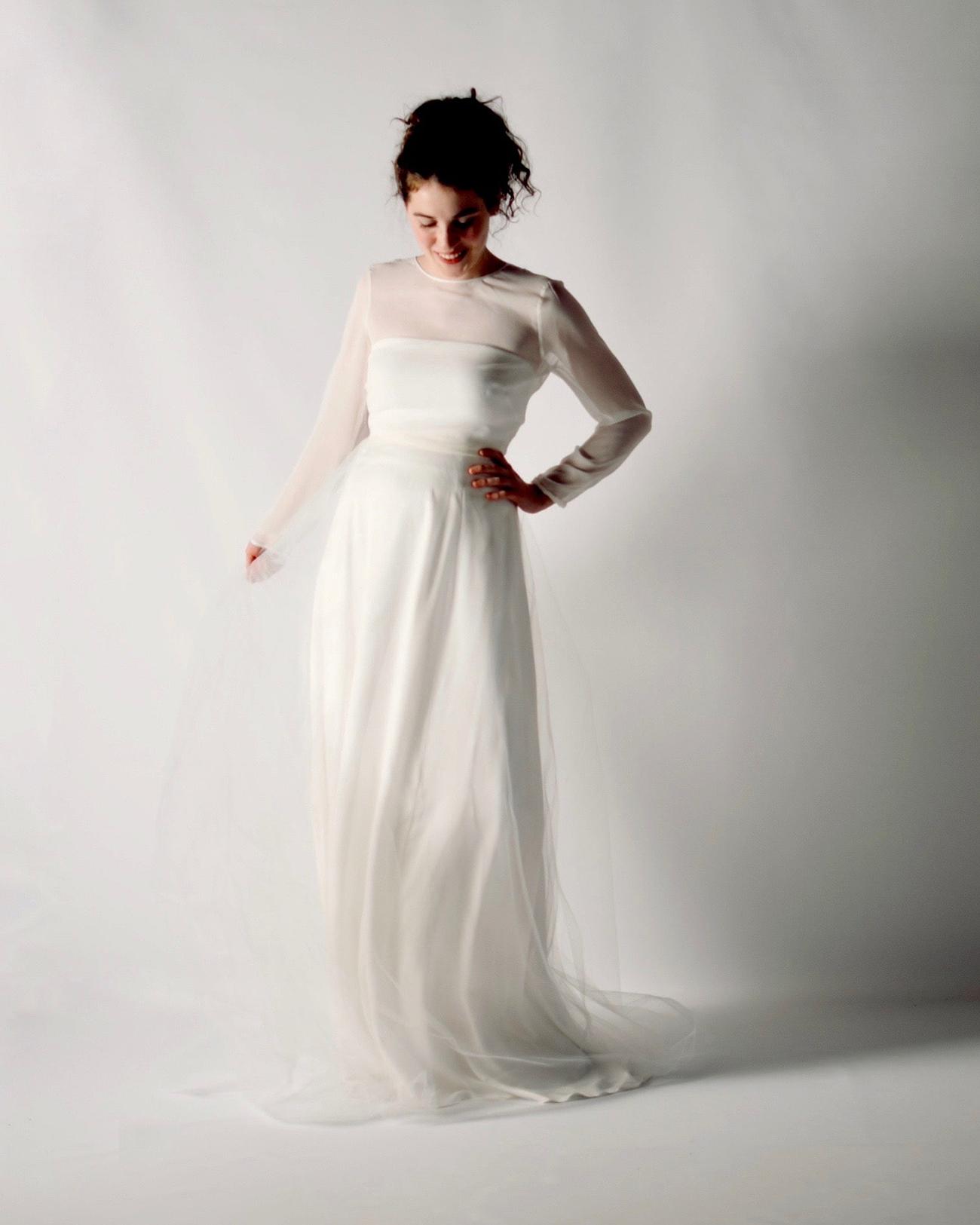 Larimeloom simple wedding dress