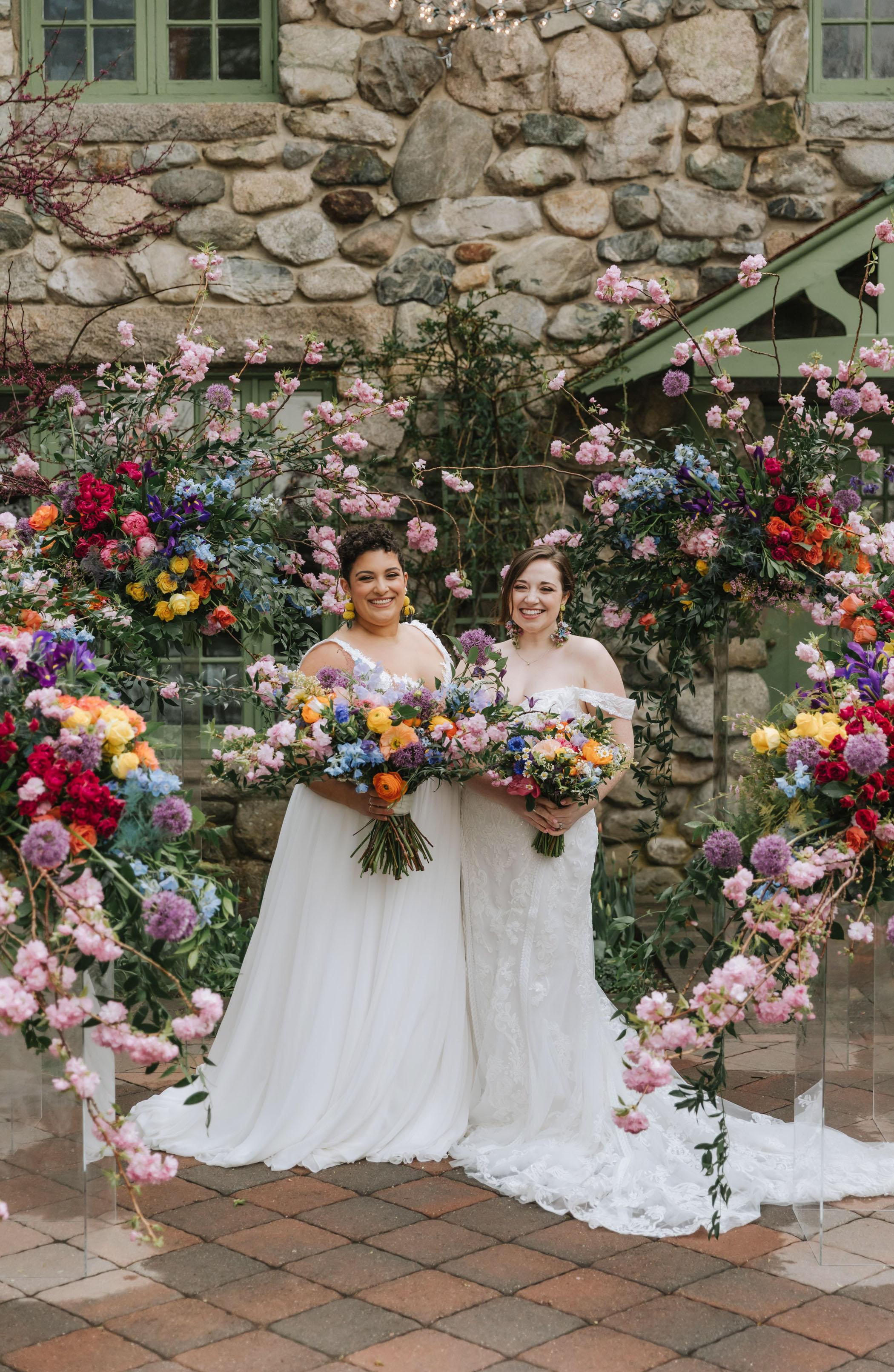 bright-wedding-color-ideas-brides
