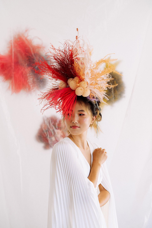 modern-wedding-day-looks-headpiece