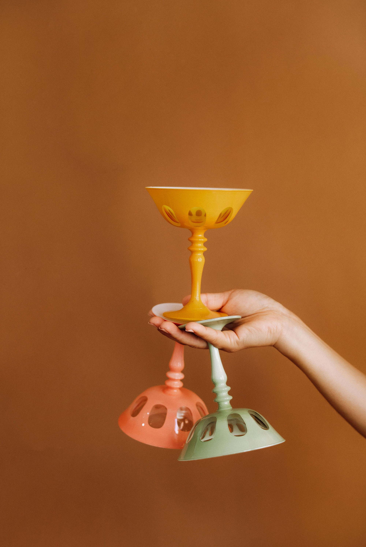 modern-wedding-day-looks-glassware