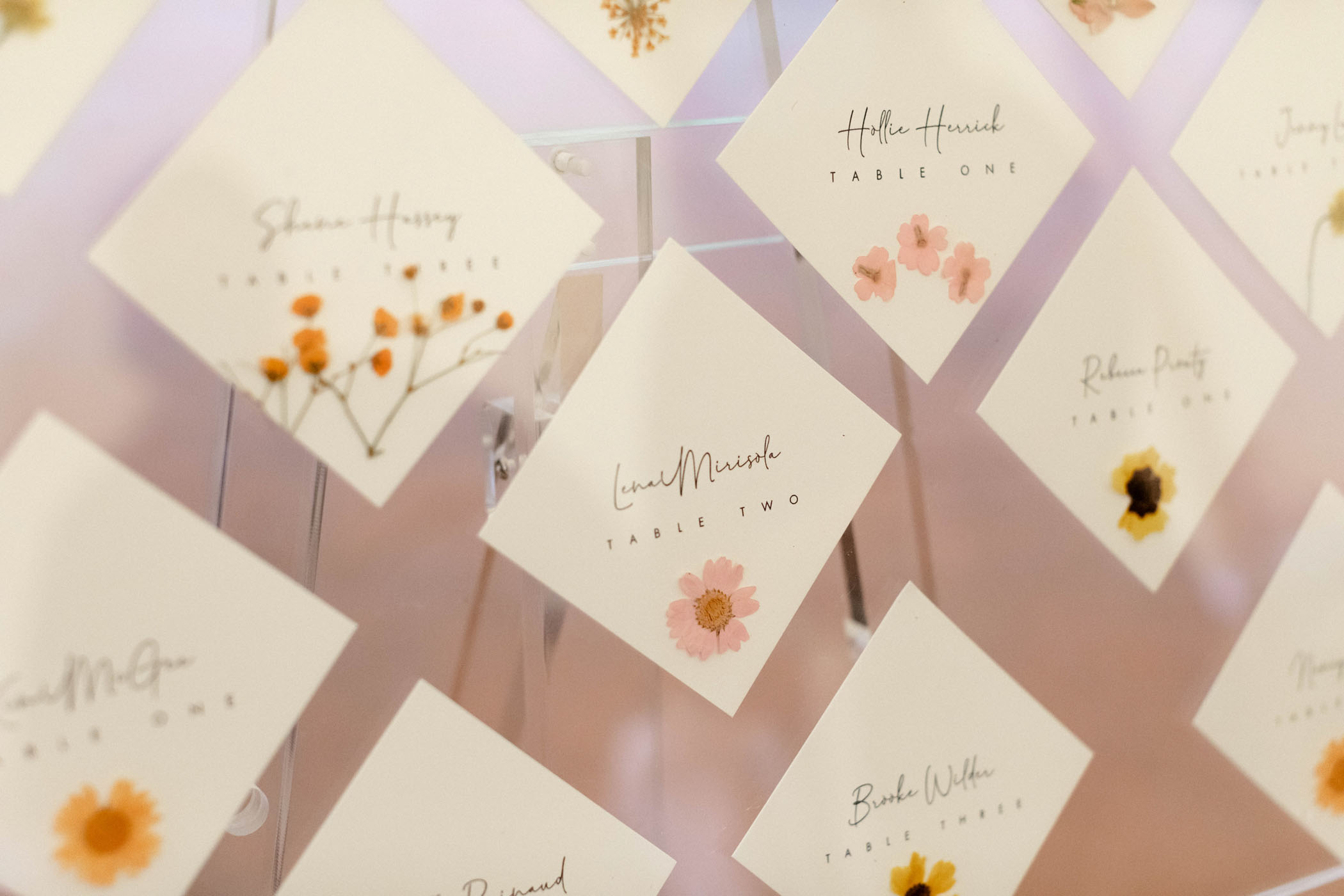 bright-wedding-color-ideas-seating-chart