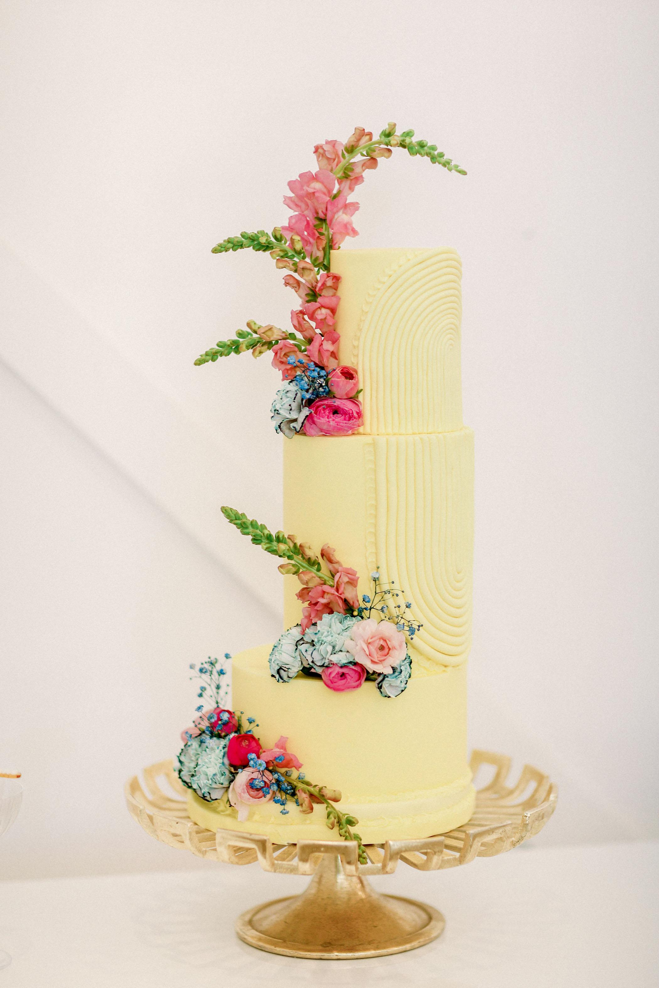 yellow flower wedding cake
