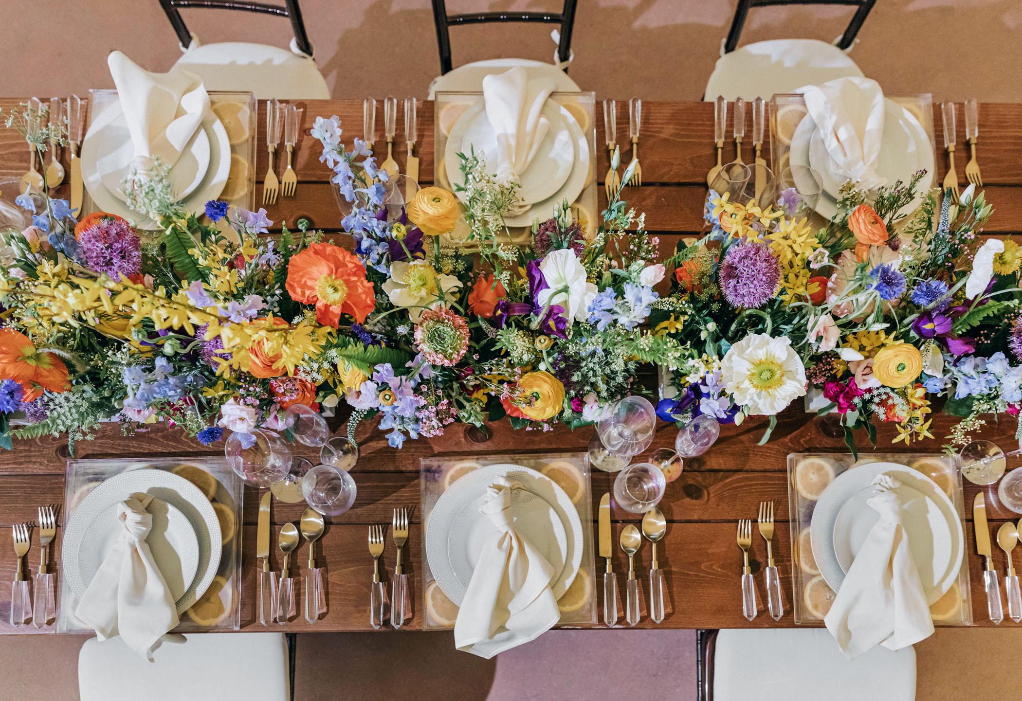bright-wedding-color-ideas-reception-table