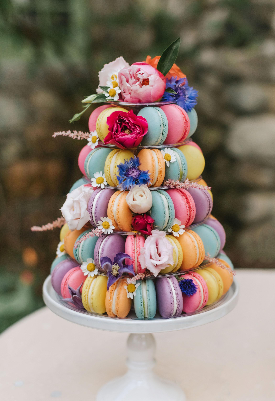 bright-wedding-color-ideas-dessert