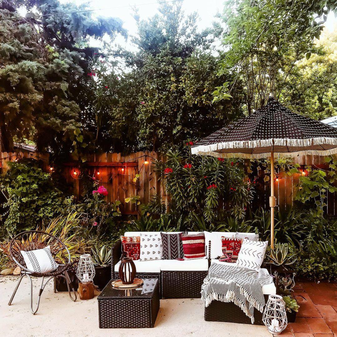 best backyard gardens