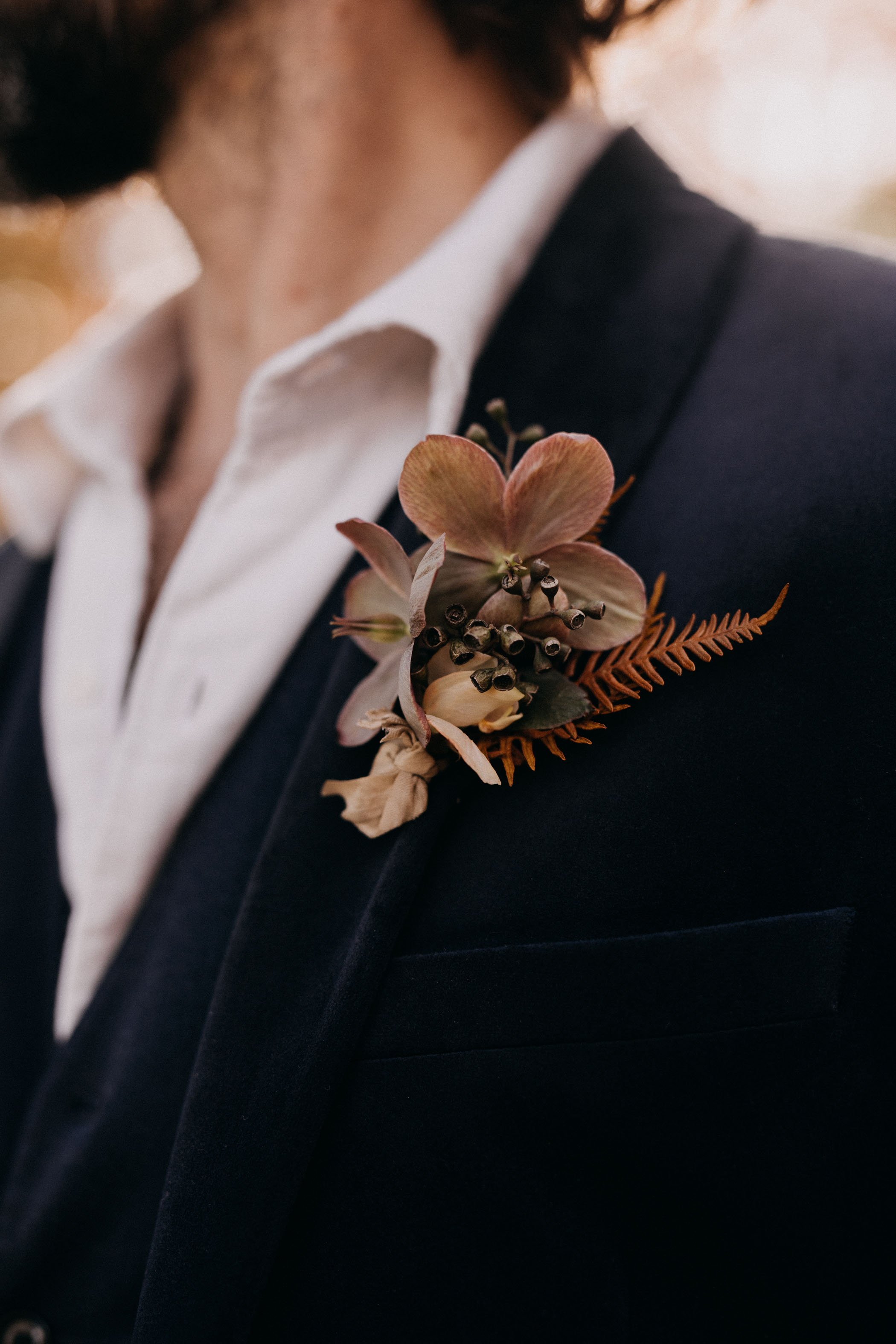 fall-inspired-boutonniere