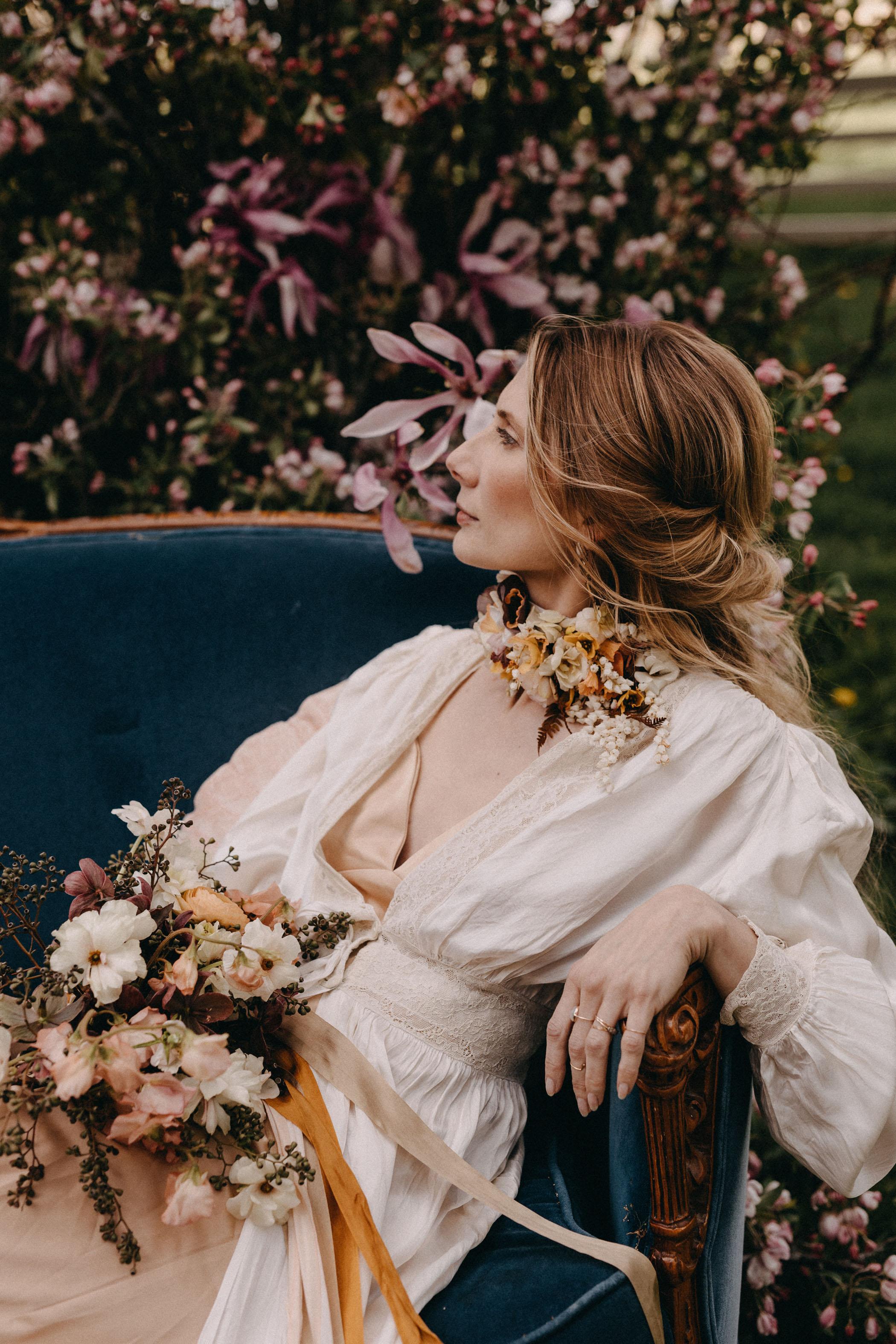 floral-necklace