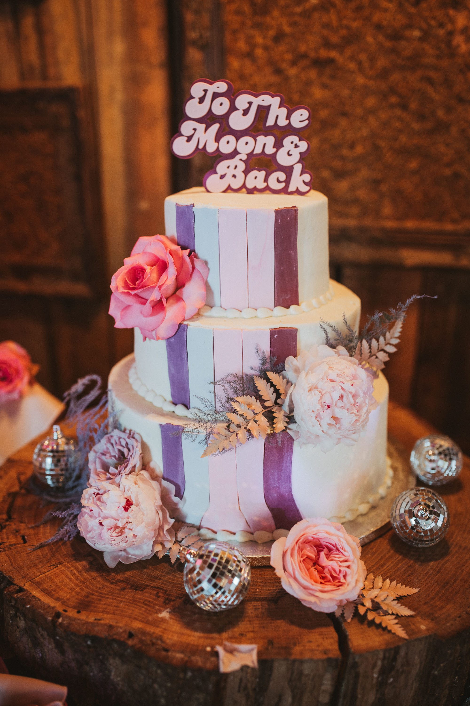 retro-wedding-cake