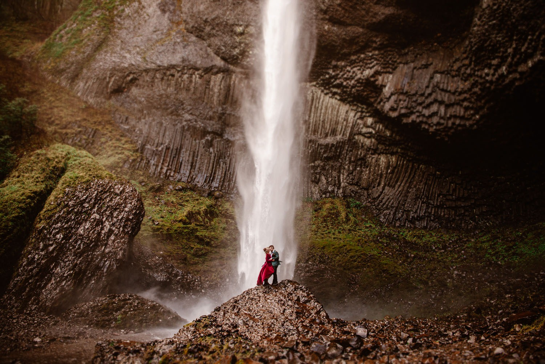 Portland Oregon waterfall honeymoon destination in the US