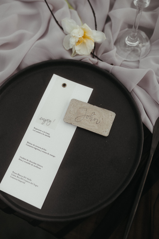 Black Dinner Plate Wedding