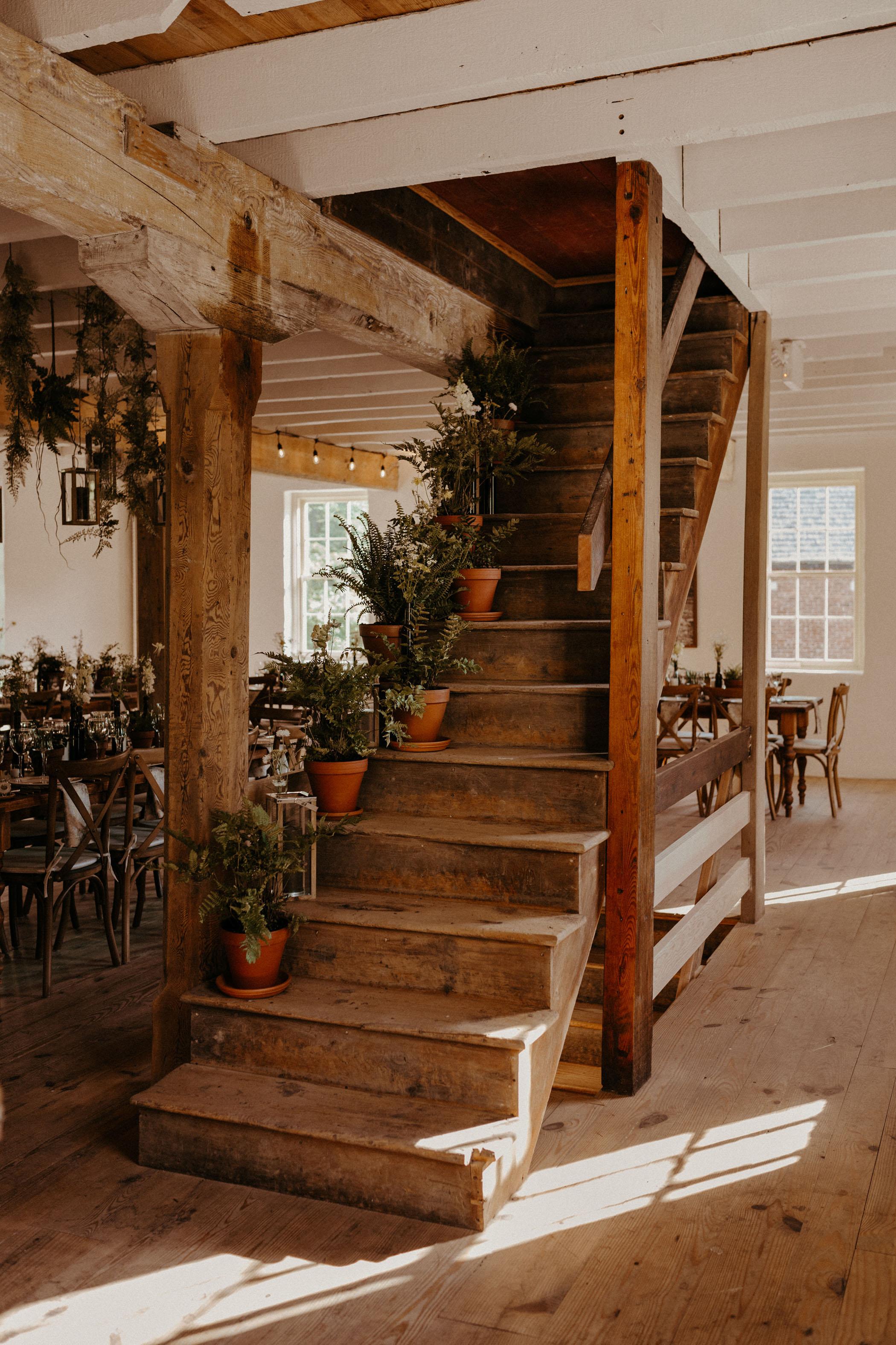 potter plant reception decor