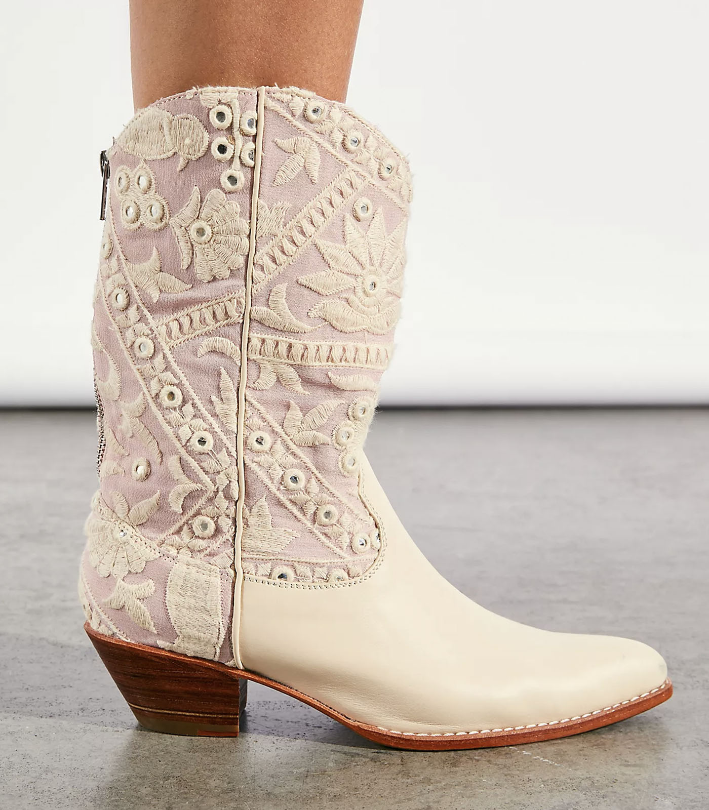 Embroidered Western Cowboy Boots for Wedding Day