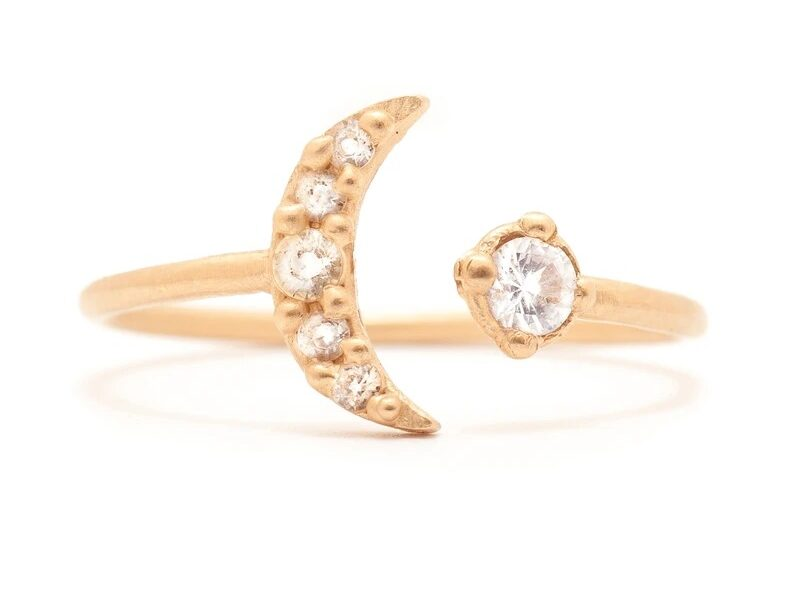 moon and sun toi et moi gold engagement ring