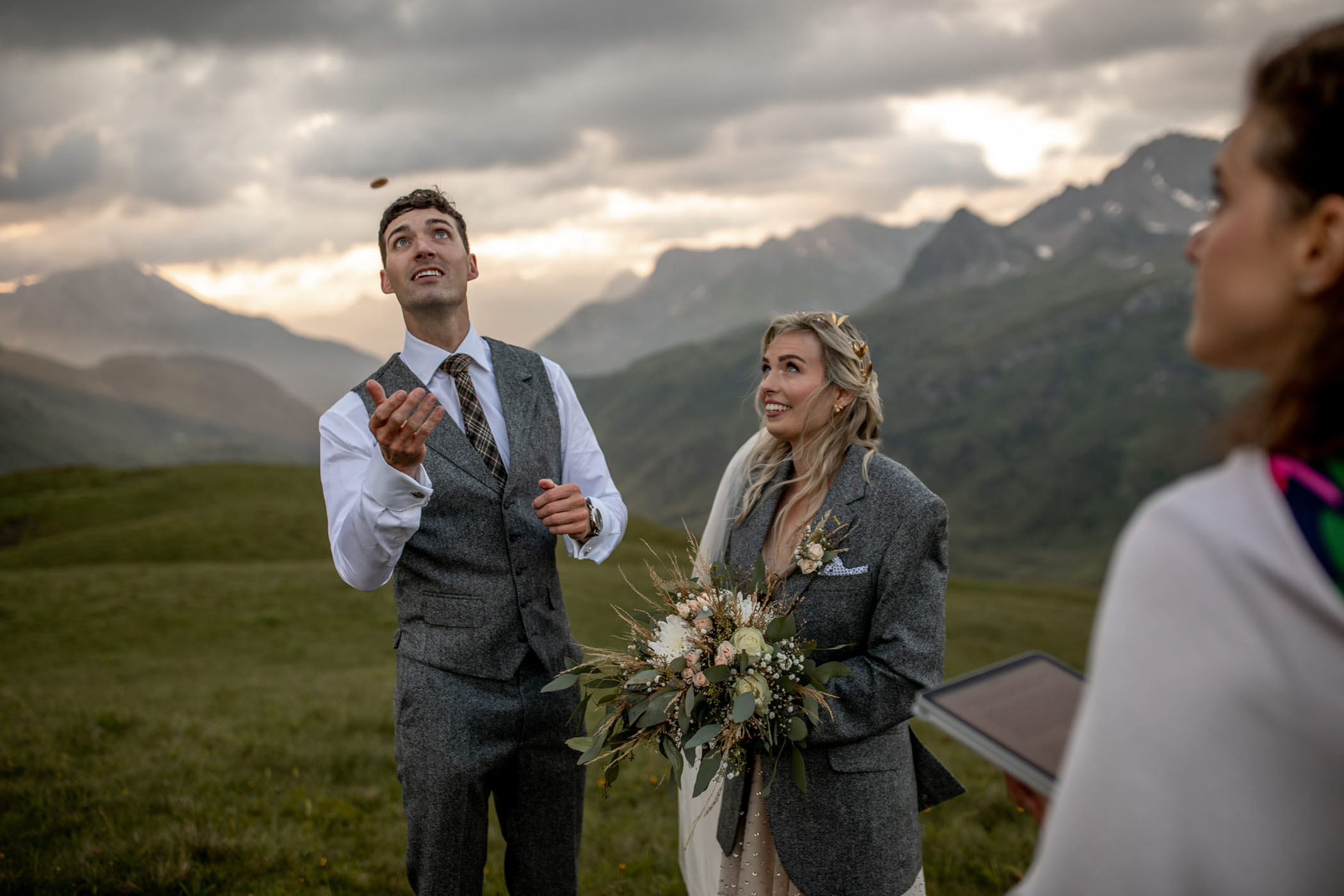 Couple decides who will say their vows first by flipping a family coin