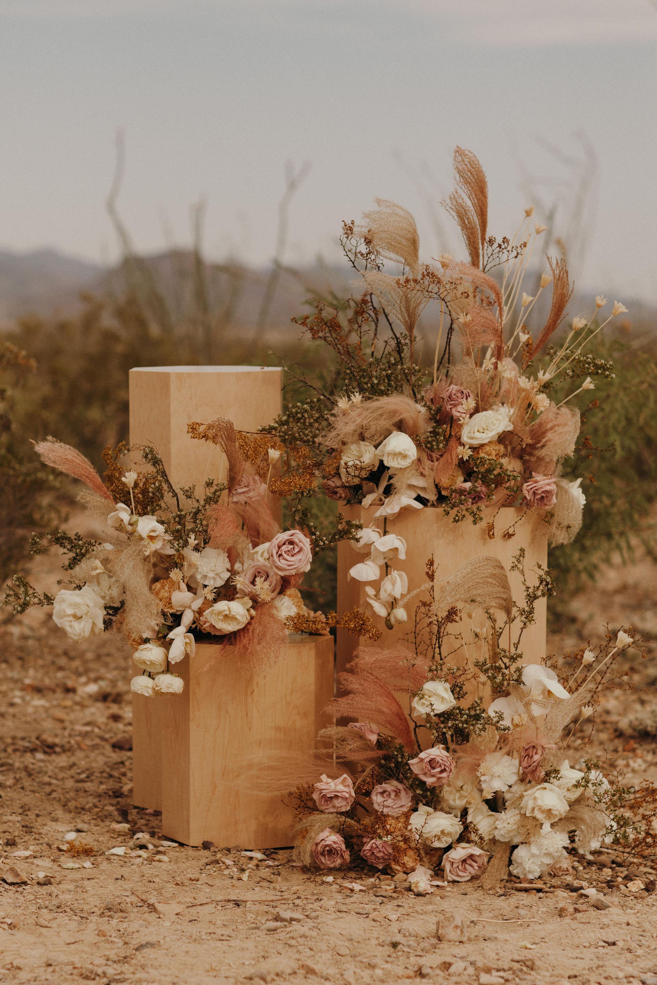 modern flower pillars